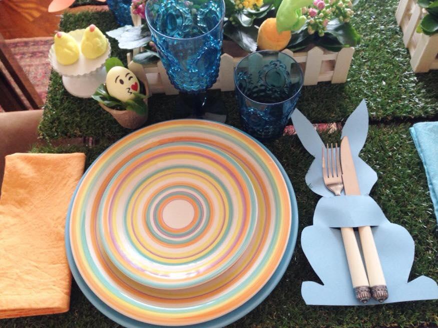 tavola pasqua colorata 2
