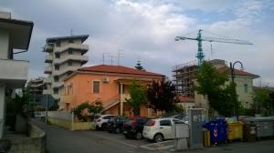Via Calabria e Via Romagna viste da Piazza Padre Pio