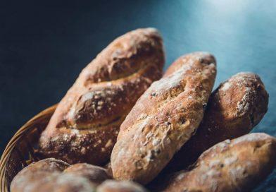 Come si serve il pane a tavola
